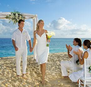 Why Plan a Destination Wedding in Cabo San Lucas Mexico?