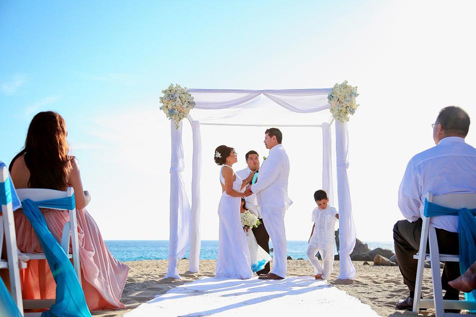 Destination wedding on the beach in Pedregal Cabo San Lucas