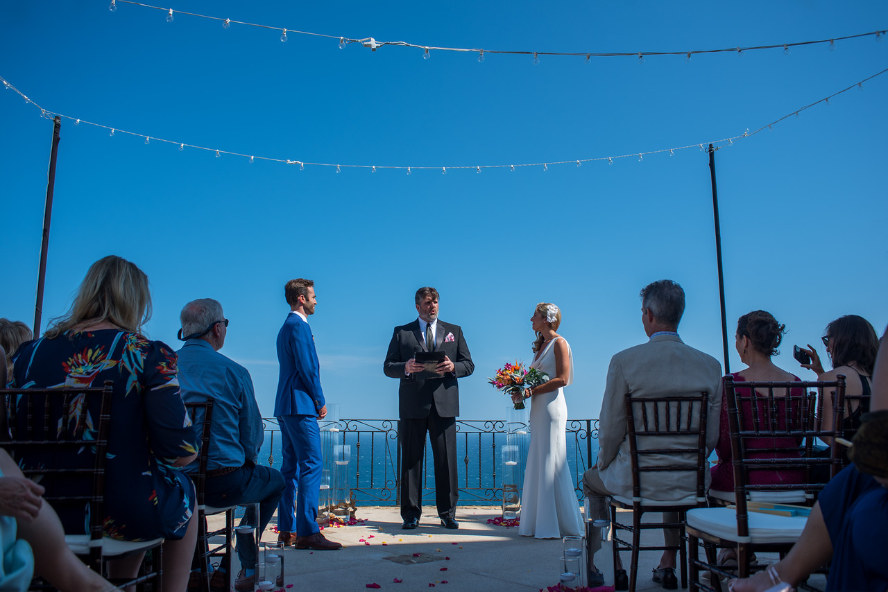 Luxury destination wedding in Cabo San Lucas at private vacation rental Villa Grande