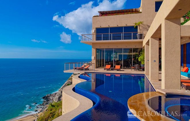 Villa Bellissima pool and view of ocean
